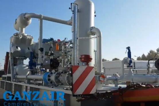 Nyomásfokozó kompresszor egység turbina fűtőgáz nyomás ellátására.